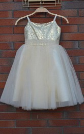 Spaghetti Strap Knee-length Tulle Dress With Sequins