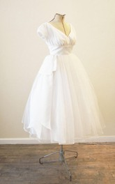 V-Neck Vintage Tulle Wedding Dress With Tutu Skirt and Pleats