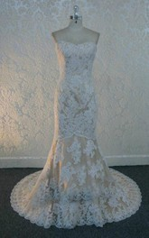 Sweetheart Neck Sleeveless Mermaid Floor-Length Lace Wedding Dress