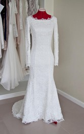 Lace Bateau Neck Long Sleeve Mermaid Wedding Dress With Buttoned Back
