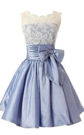 Sleeveless A-line Dress With Bow and Lace Bodice