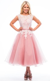 Tea-Length A-Line Scoop Neck Appliqued Sleeveless Tulle Bridesmaid Dress