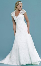 Cap-Sleeve V-Neck Appliqued Long Lace Wedding Dress