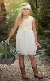 Country Sleeveless Pleated Flower Girl Dress with Flower Bust