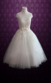 Jewel Neck Lace Bodice Short Dress With Sash And Appliques