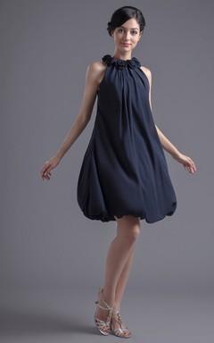 c8e68342b Vestido clásico con escote halter sin mangas corte imperio a la rodilla de  chifón